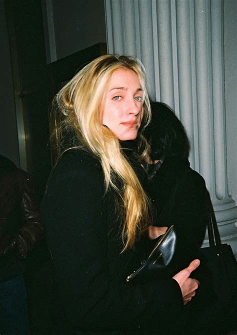 Carolyn Bessette Kennedy: Queen of 90s Minimalist Fashion