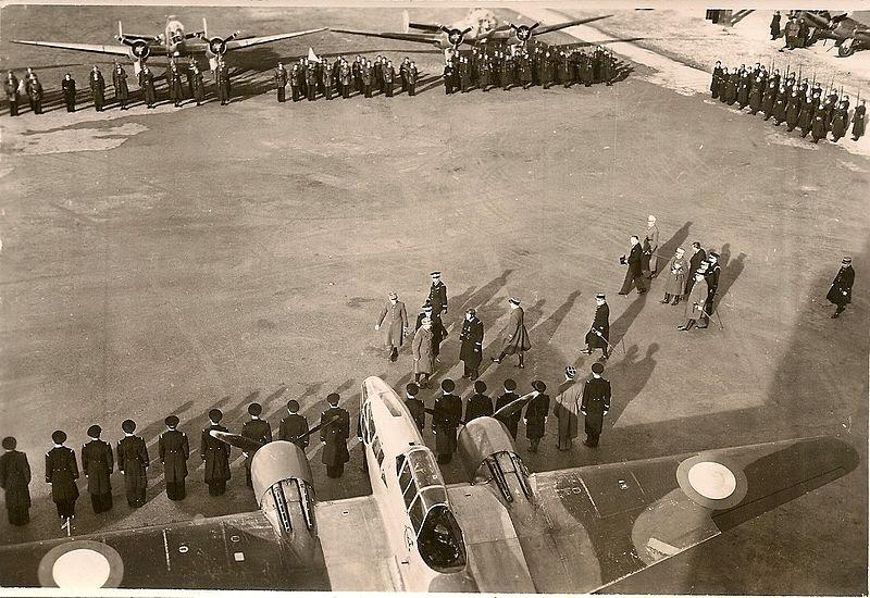 File:BA144 Ain-Arnat-Sétif Prise d-armes viste Weugand 1940.jpg