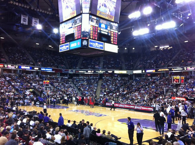 Kings versus Raptors at Arco Arena