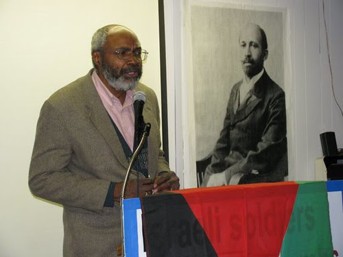 """Abayomi Azikiwe, editor of the Pan-African News Wire, addressing the """"African-Americans Speak Out for Palestine"""" forum on January 31, 2009 in Detroit. (Photo: Alan Pollock) by Pan-African News Wire File Photos"""