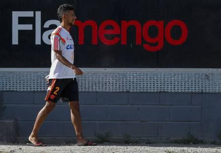 http://extra.globo.com/incoming/14584402-139-593/w448/leo-moura-flamengo.jpg