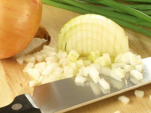 Αποτέλεσμα εικόνας για λιωμένο κρεμμυδι με αλάτι