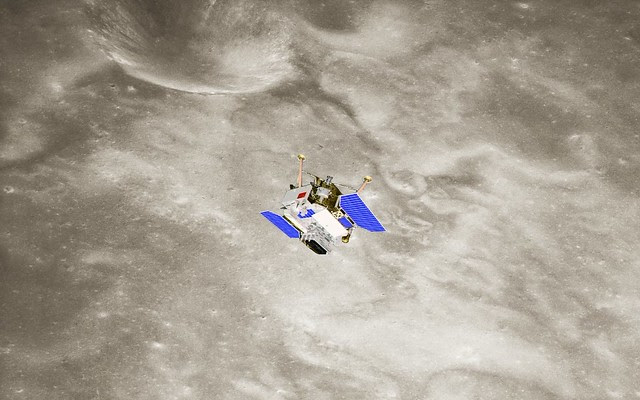 Chang'e-3 in lunar orbit