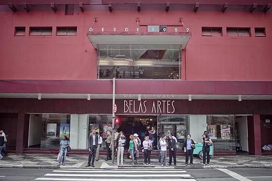 """Letreiro do Belas Artes diz 'desde 1952' e é um mistério até para André Sturm; """"Quando assumi, estava lá"""", diz"""