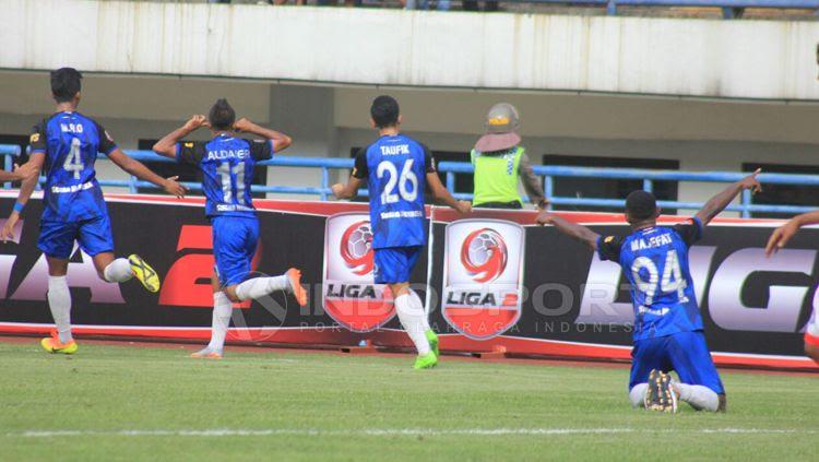 Aksi selebrasi para pemain PSIS Semarang'. Copyright: © Arif Rahman/INDOSPORT
