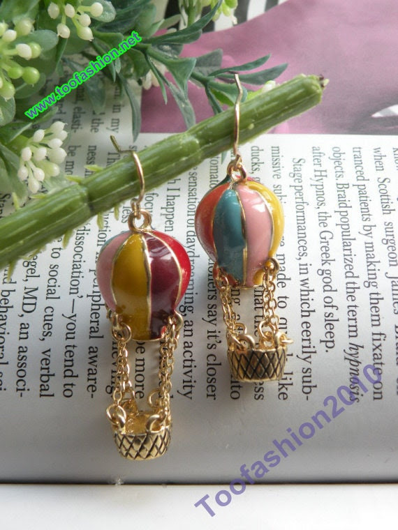 Pretty retro gold colorful glaze Hot Air Balloon earrings pendant vintage style