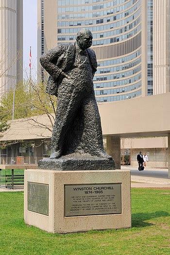 English: Toronto: Winston Churchill statue at ...