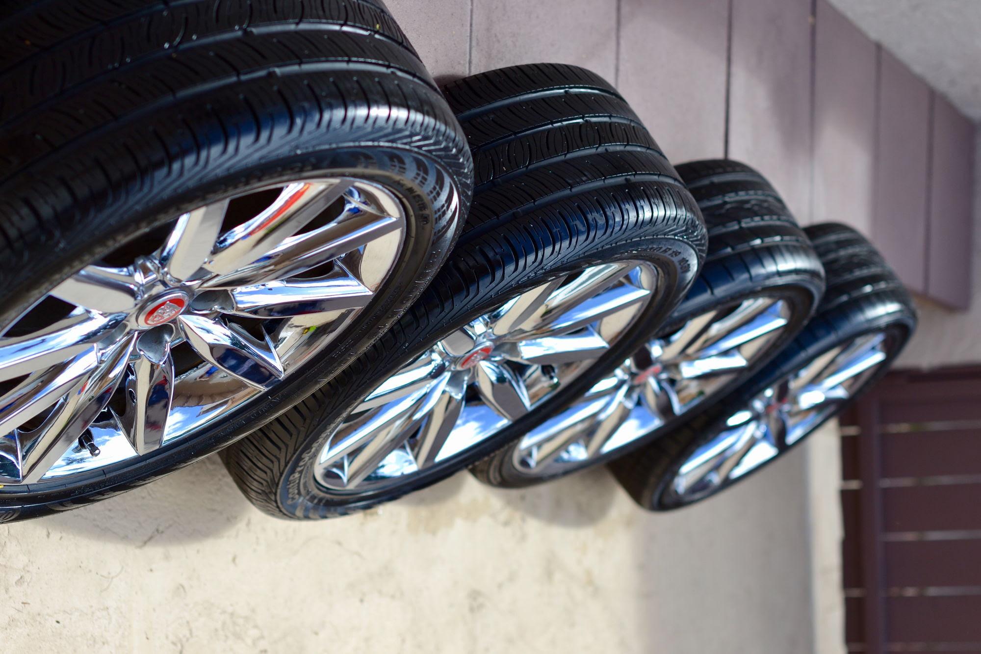 Fs Southeast Jaguar Xk8 Xkr Atlas Chrome Wheels Set Of 4 With Tires Jaguar Forums