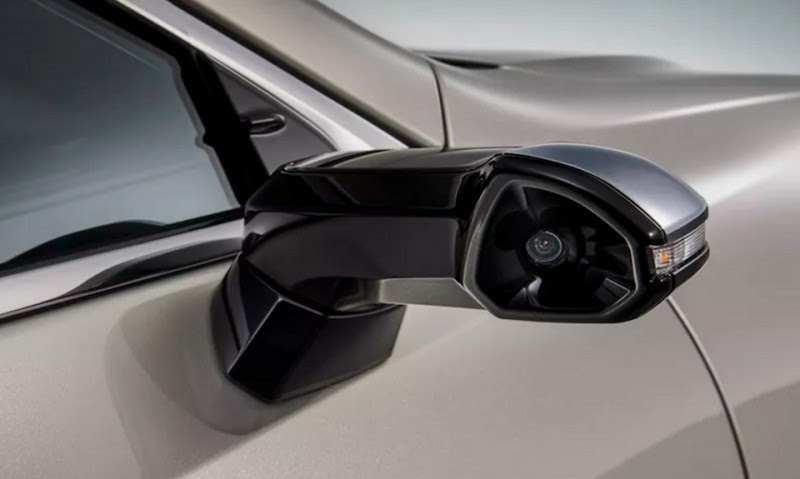 Mirror Mirror On The Door, Lexus Just Switched To Digital Monitor