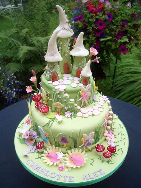 1000  ideas about Enchanted Forest Cake on Pinterest