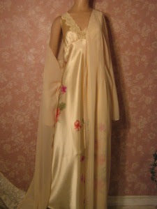 Valerie Stevens Liquid Satin Nightgown Chiffon Peignoir Set L floral detail embroidery