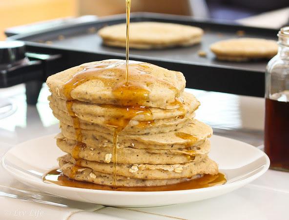 Oatmeal Pancakes - Vegan and non-vegan options
