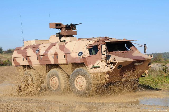 Rheinmetall modernizará 25 más Fuchs / Fox vehículos de transporte blindados para el Bundeswehr, mejorando sustancialmente su nivel de protección. La Oficina Federal de la Bundeswehr Equipos, Tecnologías de la Información y Apoyo en Servicio (BAAINBw) en Koblenz recientemente galardonado con el contrato, que vale 36 millones €.