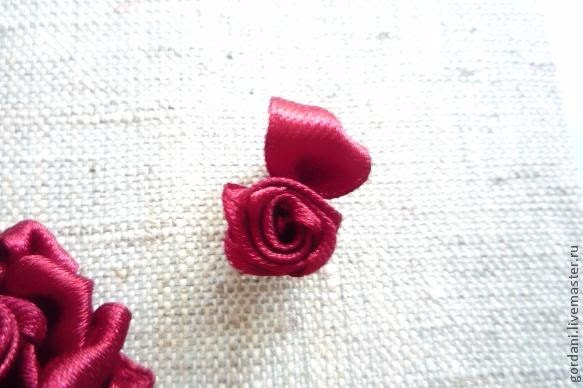Rose flower.  ribbon embroidery (19) (583x388, 168Kb)