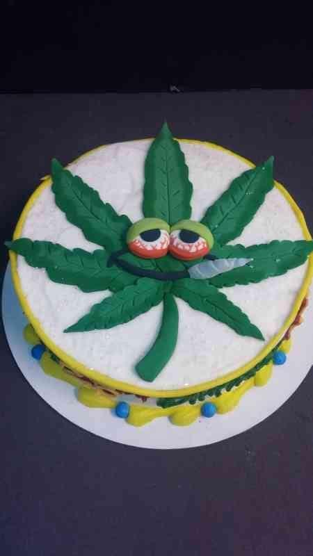 Pothead Pot leaf cake   le' Bakery Sensual