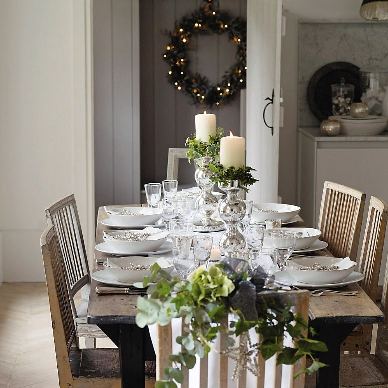 10 Christmas Table Setting Ideas  How To: Simplify