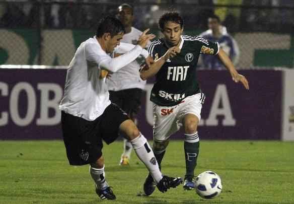 Lance de Palmeiras x Atlético, no Canindé, pelo Brasileirão - Piervi Fonseca / Agif / Agência O Globo