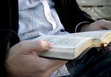 leyendo-la-biblia2