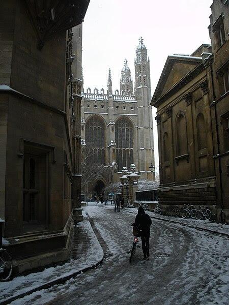 File:Kings Chapel from Trinity Lane in snow.JPG