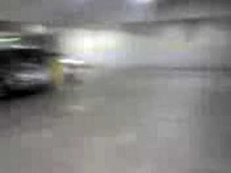 Goblin in a Parklot / Duende en Estacionamiento