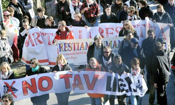 Dall'aula bunker al cantiere di Chiomonte, la protesta dei No Tav