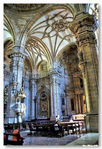 Interior da Basílica Santa María del Coro by VRfoto