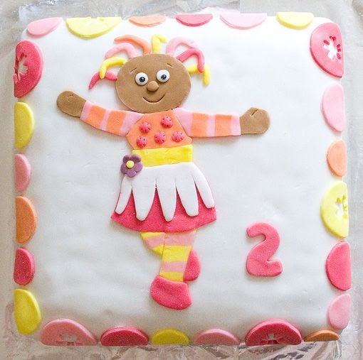 Upsy Daisy Cake Decoration : a thousand words: Upsy Daisy cake
