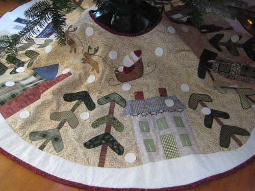 Bare Roots tree skirt