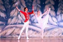 2010 A Elagina and A Ustimov in Snowflake Waltz