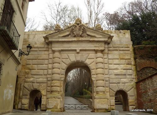 Puerta de las Granadas (Alhambra de Granada, Andalucía)