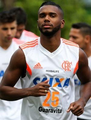 Luiz Antonio está há quatro anos entre os profissionais do Flamengo (Foto: Gilvan de Souza / Flamengo)