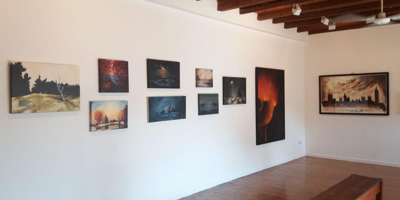 Εγκαινιάστηκε η έκθεση ζωγραφικής της Έφης Λιαροκάπη στην Αμφιλοχία