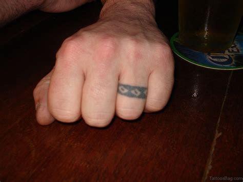 55 Cool Finger Tattoos