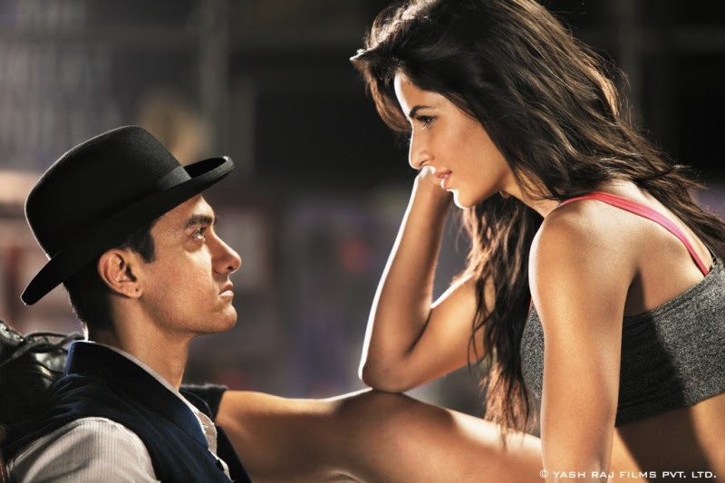 Aamir-Khan-Katrina-Kaif-Abhishek-Indian-Bollywood-Movie-Dhoom3-Wallpapers-Picture-12