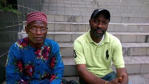 Linus Orok (à gauche) et Patrick Chi du village d'Ekong Anaku