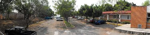 Estacionamiento (casi) vacío