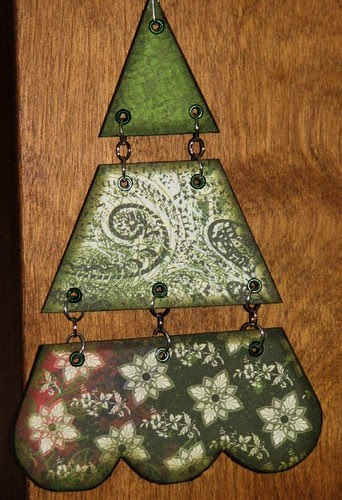 25 Days of Gifts & Ornaments - Segmented Tree 012