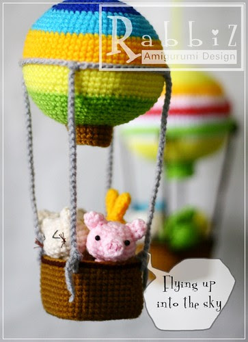 Amigurumi Hot Air Balloon by rabbizdesign