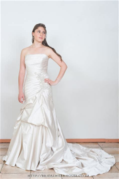 Wedding Dresses   Bridal Gowns   Bridal Wearhouse   South
