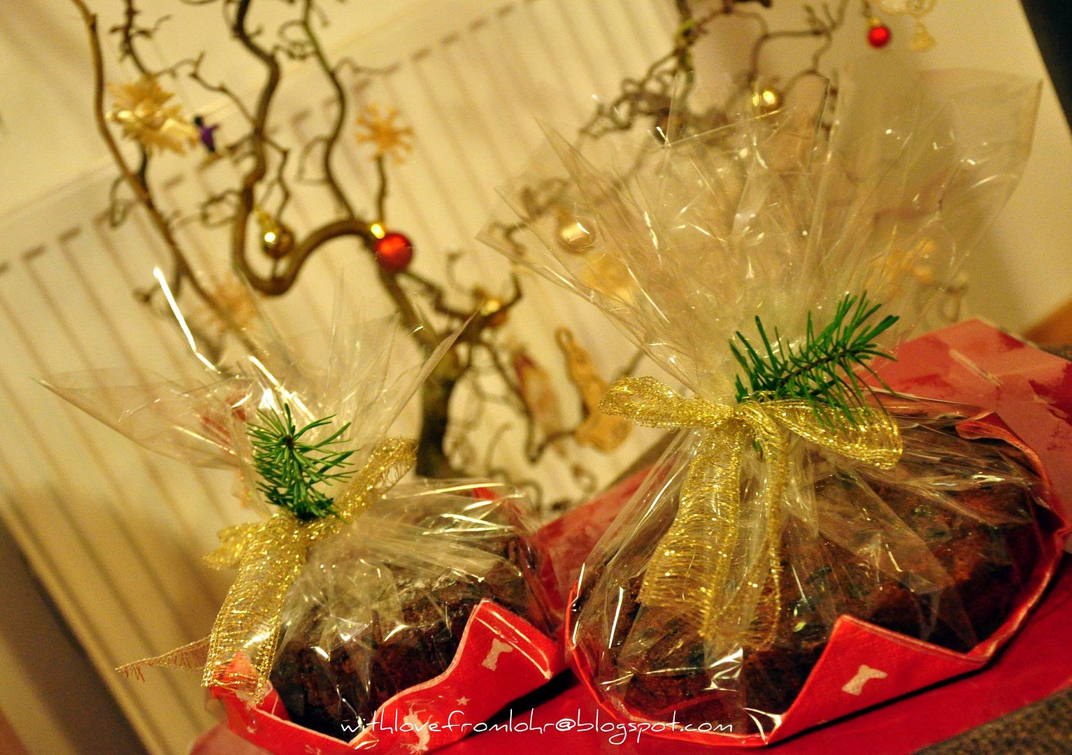 13.12.11, I have been busy baking and gifting Indian plum cakes to all my friends in Lohr.