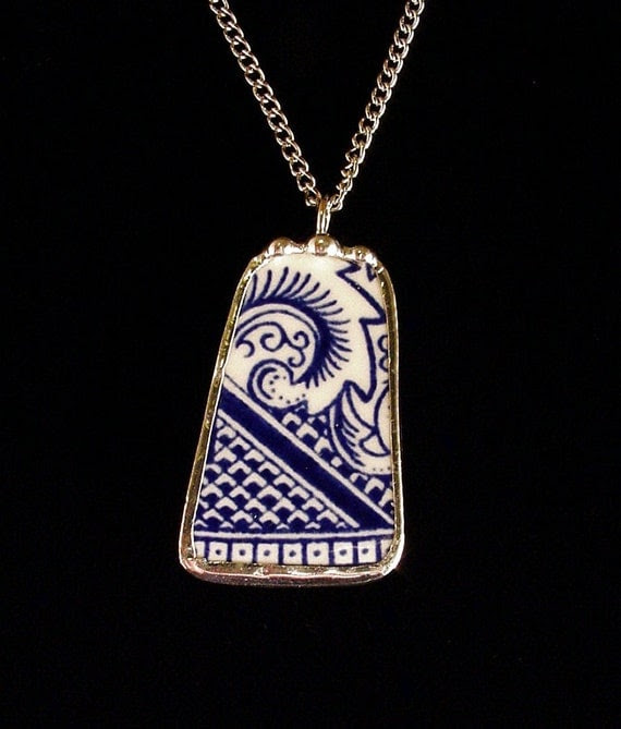 Broken china jewelry shard pendant necklace vintage blue willow made from a broken plate