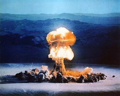 http://robotronik.files.wordpress.com/2007/10/atomic_bomb_explosion_2.jpg