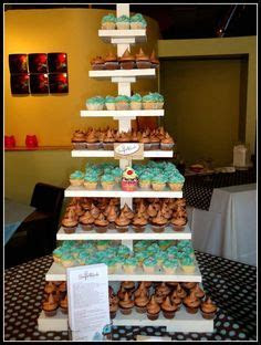 1000  images about Cupcake Towers on Pinterest   Cupcake
