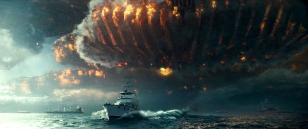 An alien spacecraft enters Earth's atmosphere in INDEPENDENCE DAY: RESURGENCE.