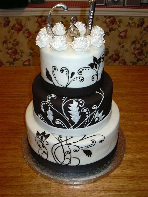 Black white and silver wedding cakes   idea in 2017