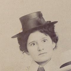 woman w/hat