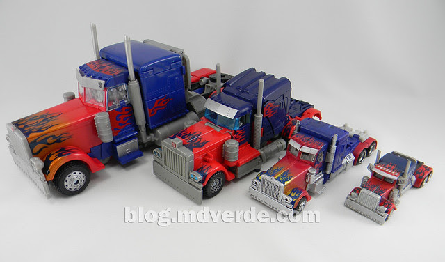 Transformers Optimus Prime DotM Deluxe - modo alterno vs otros Optimus Movie