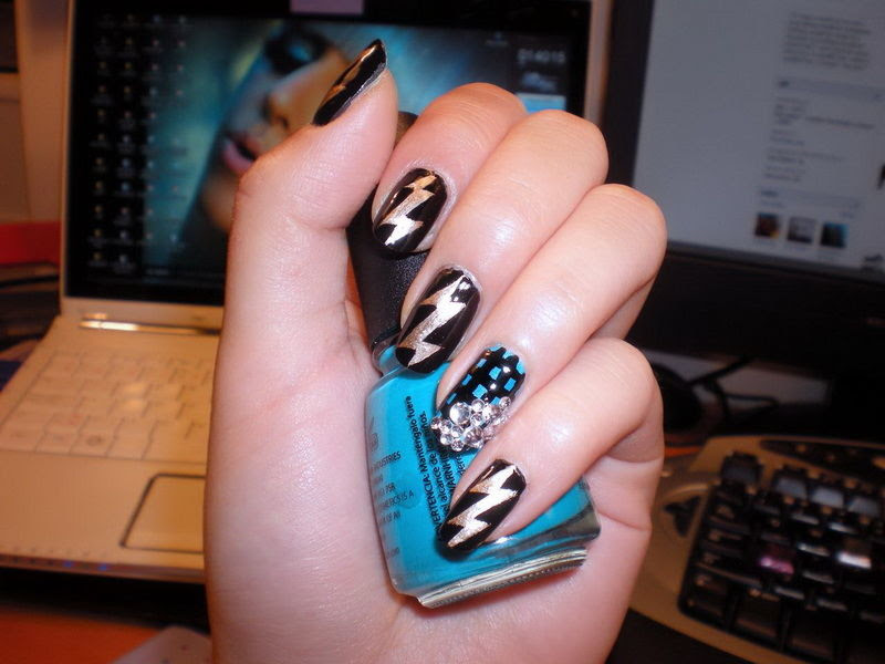 Lightning Bolt Nails Pictures, Photos, and Images for ...