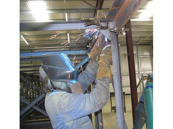 Welding definition and meaning | Collins English Dictionary