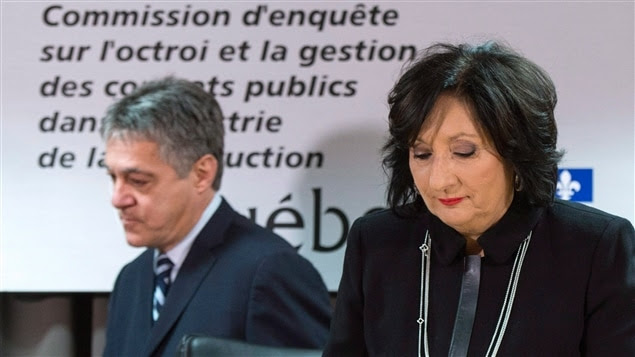 Le commissaire Renaud Lachance et la juge France Charbonneau, présidente de la commission qui porte couramment son nom, lors du dépôt du rapport.